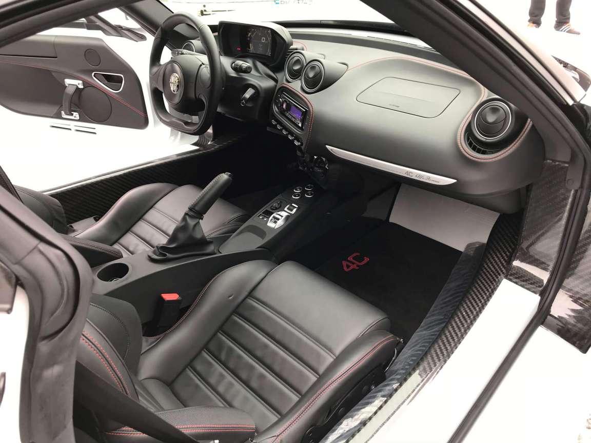 Детейлинг комплекс кузова и салона Alfa Romeo 4C