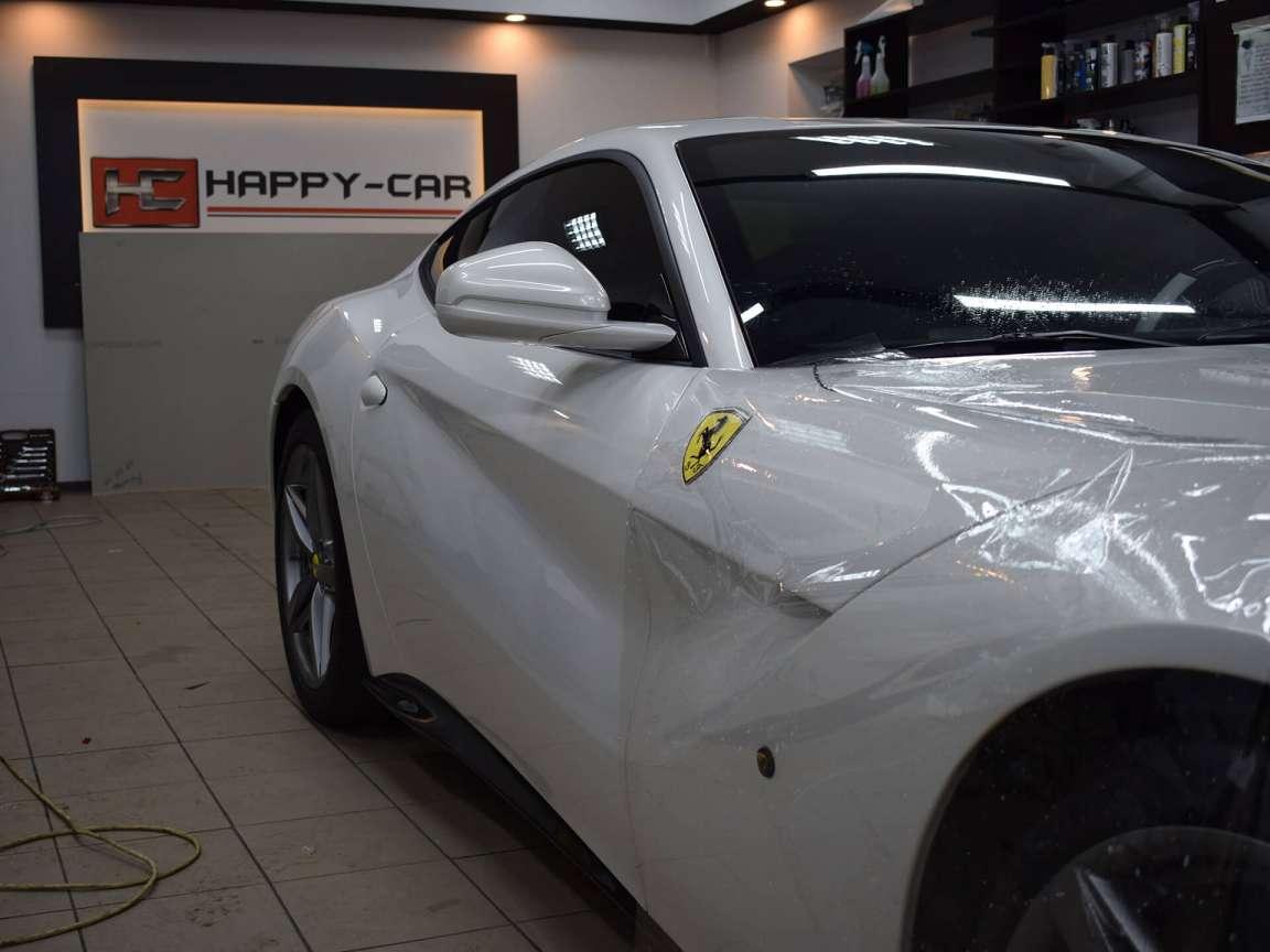Защитная антигравийная пленка на Ferrari